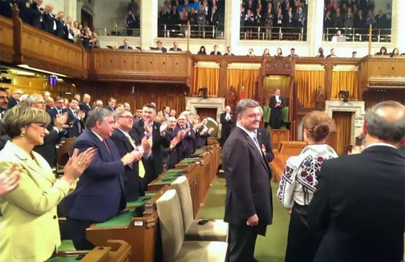 Президент Порошенко выступил в парламенте Канады.
