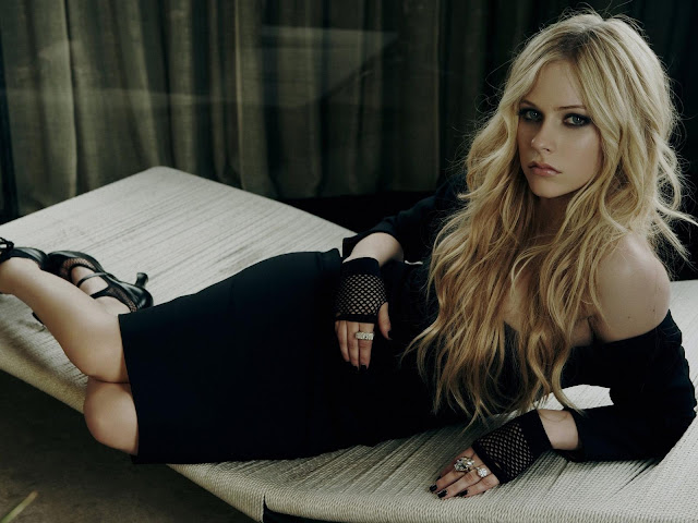 Avril Lavigne Wallpaper Free Download
