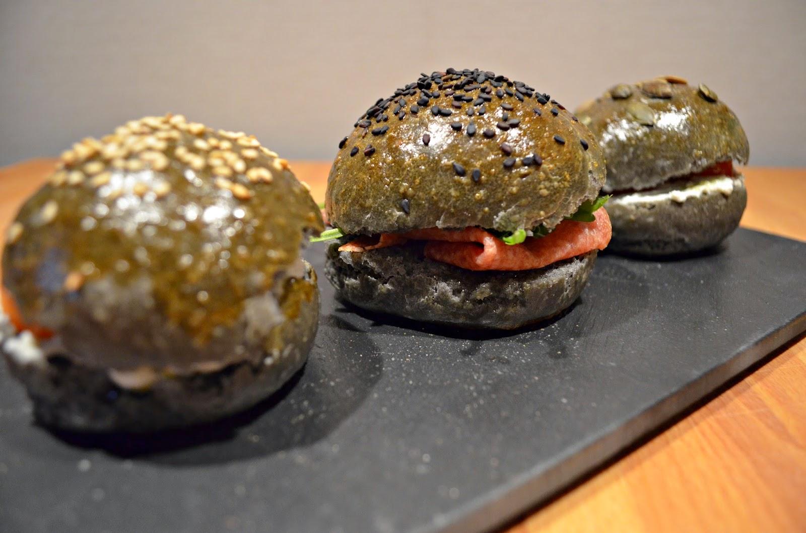 Polvere di spezie panini neri al carbone vegetale - Il carbone vegetale fa andare in bagno ...