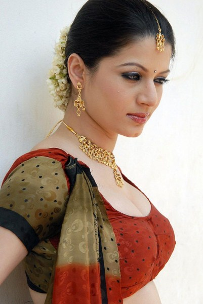 Fashion Models and Actress: INDIAN FEMALE MODEL PICTURES