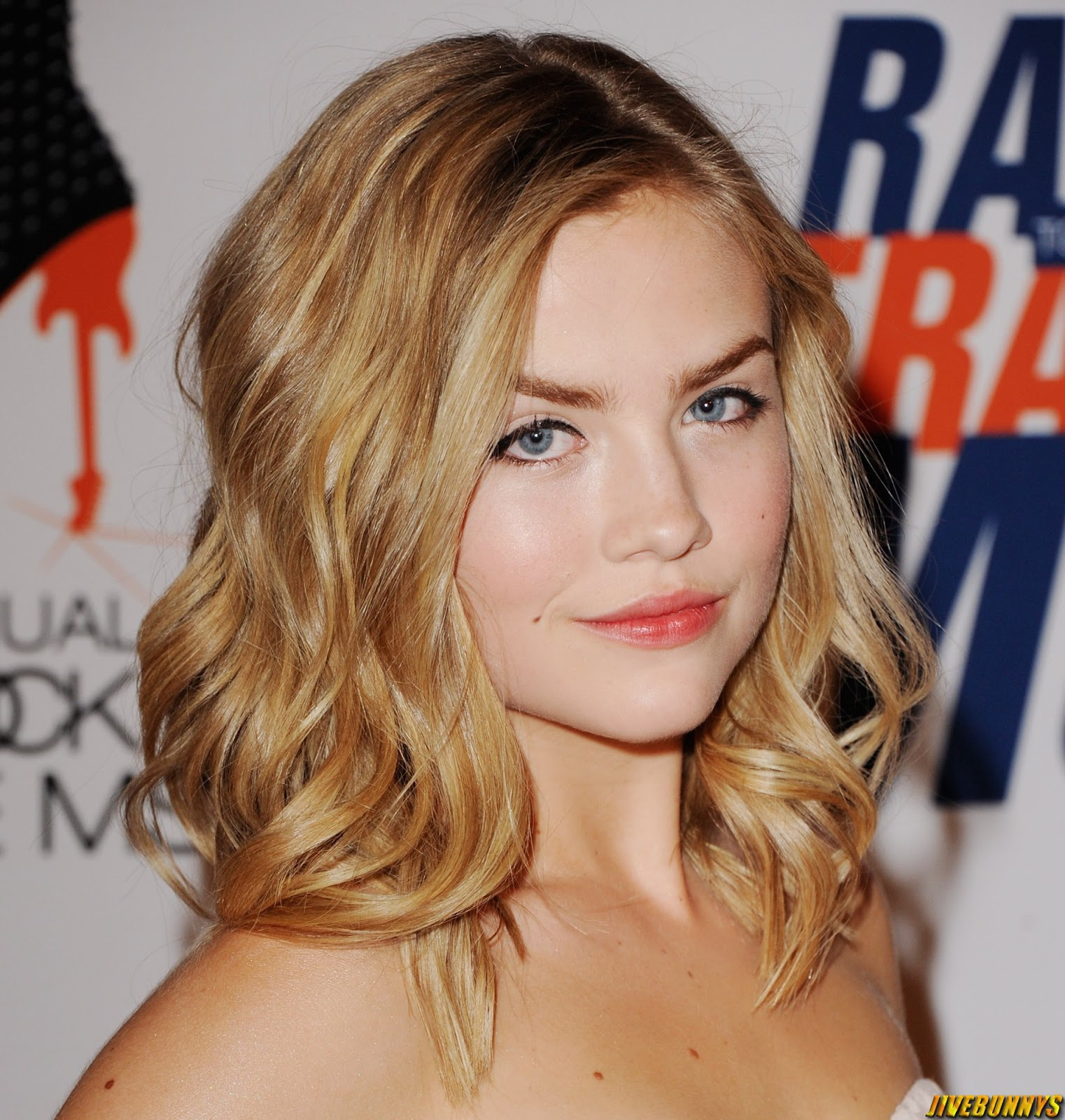 Jivebunnys Female Celebrity Picture Gallery: Maddie Hasson ... Jennifer Aniston News