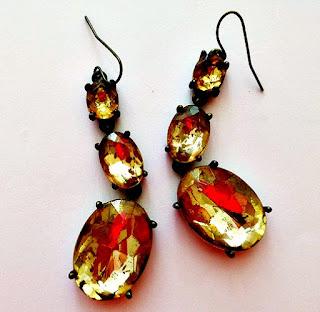diva-graduated-peridot-earrings