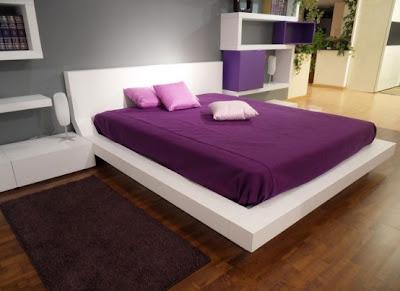Ruang Tidur Dengan Sentuhan Warna Ungu