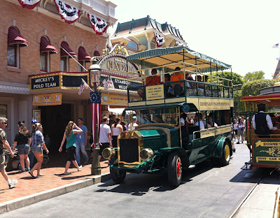 Disneyland Main Street Vehicles Cinema Ominbus Horse Drawn