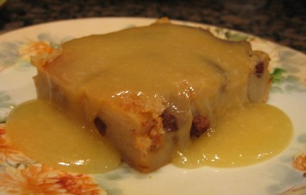 ... Style Guide to Handmade and Vintage: Bread Pudding with Bourbon Sauce
