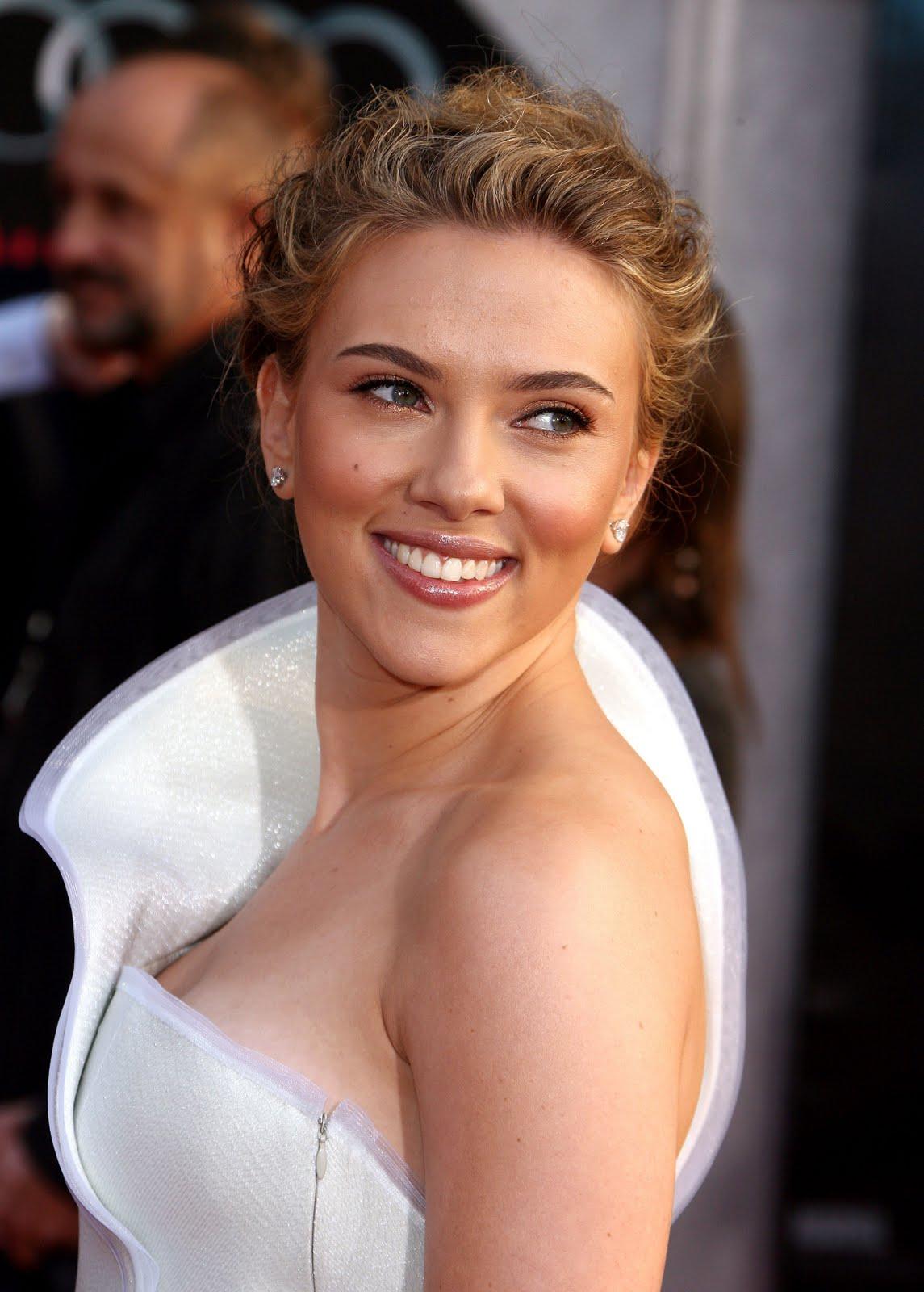 http://2.bp.blogspot.com/-oK7woJijnLA/TgRmvMxlFZI/AAAAAAAAFDs/z5LnlSL-TaU/s1600/Scarlett-Johansson-8.jpg