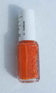 Essie nail varnish Roarrrange