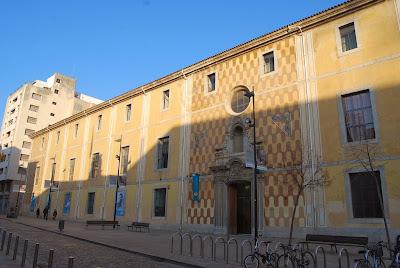 Casa de Cultura. Girona. Altres llocs d'interés. Façana.