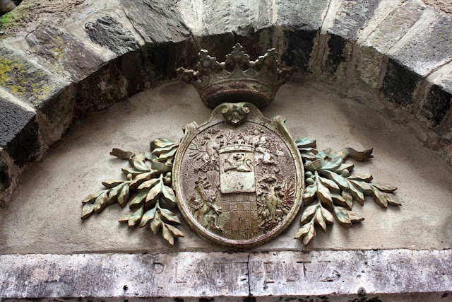 The coat of arms of the Eltz family - The Tipsy Terrier blog