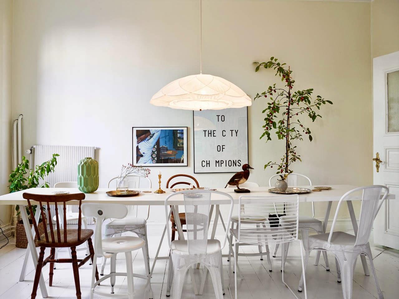 My scandinavian home: white swedish apartment with great art