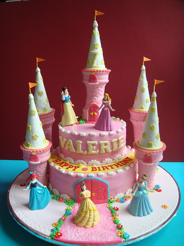 Princess Fondant Cake Design : Yummy Baking: Princess Castle Fondant Cake (D3)