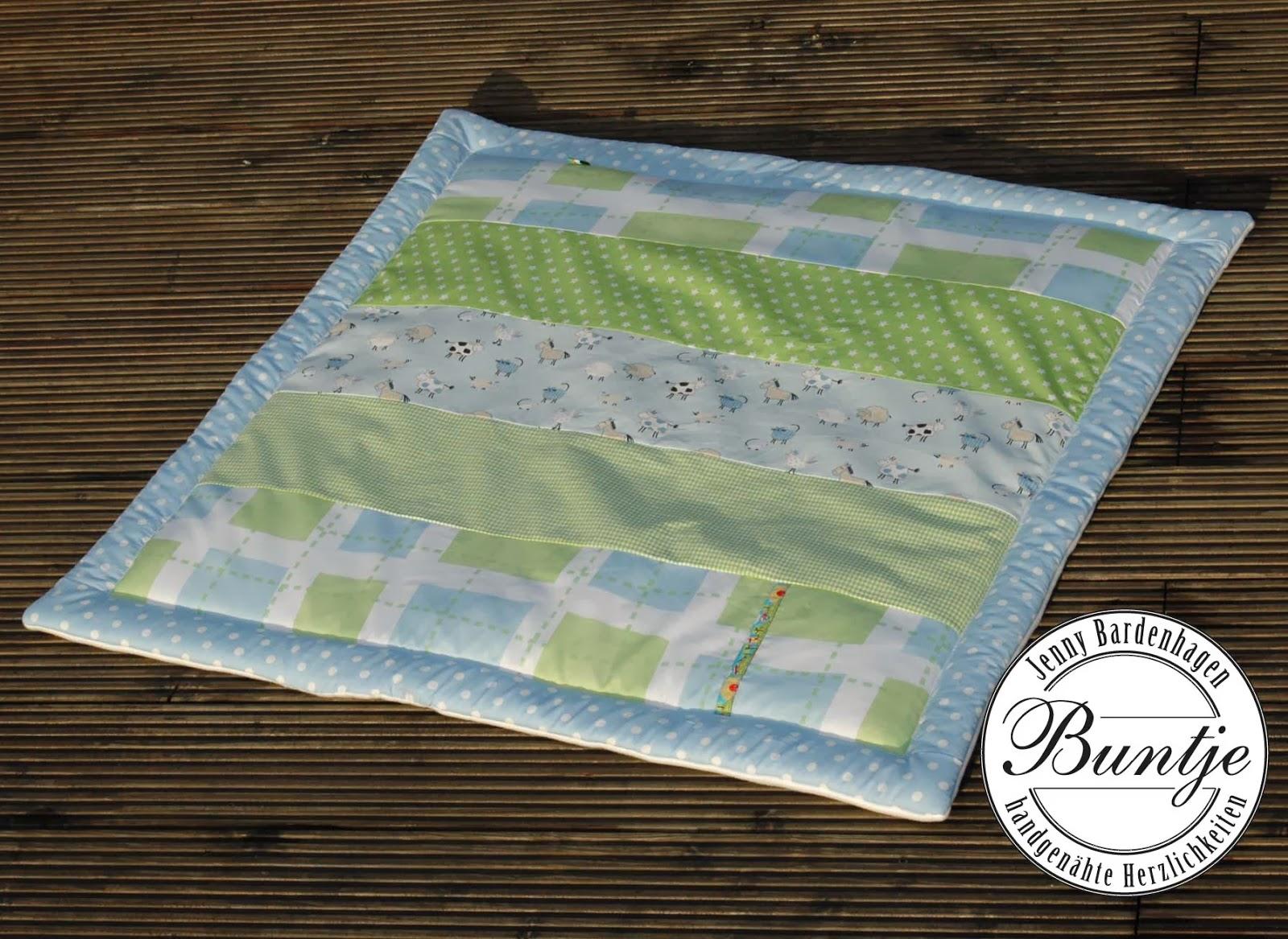 Krabbeldecke Decke Baby Junge Name Geschenk Geburt Taufe hellblau grün Bauernhof Tiere Baumwolle Fleece dick handmade Buntje Nähen