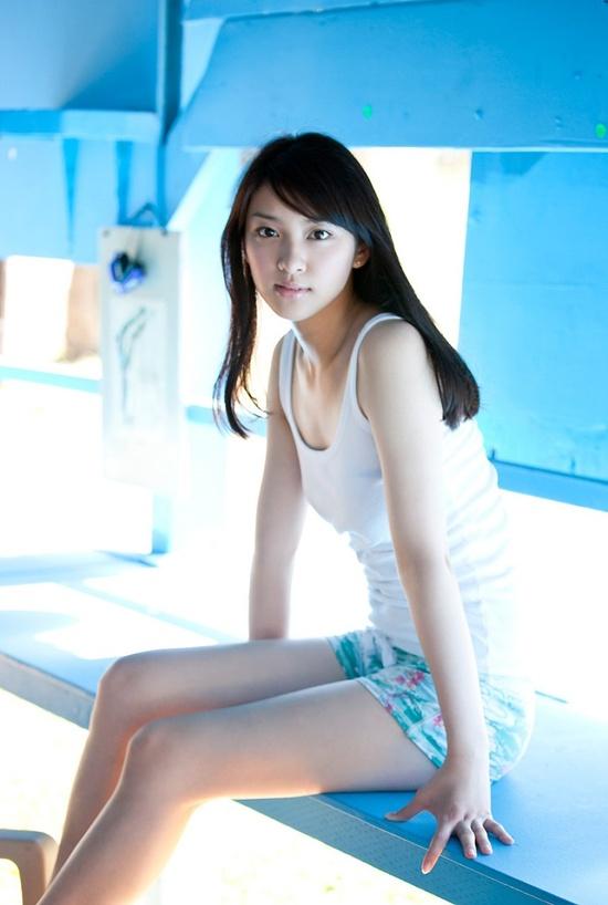 Emi Takei - Sitting