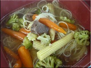oriental noodle bowl