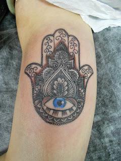Inkuts tattoo hams ou m o de f tima for Q significa contemporaneo