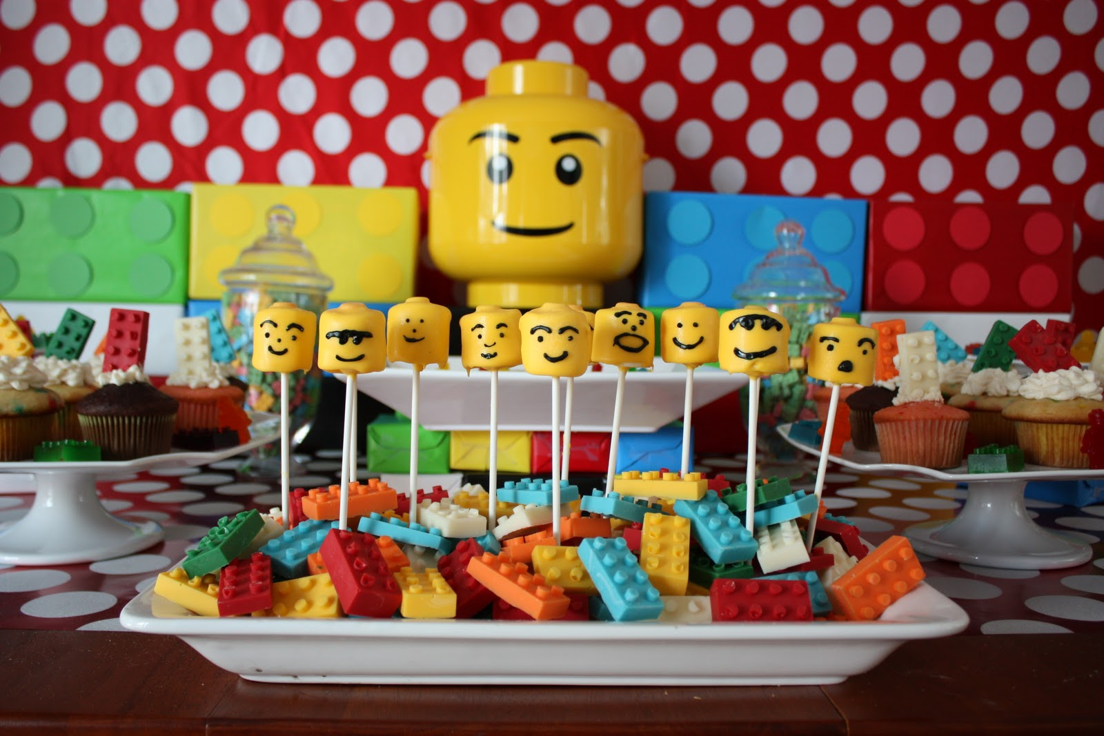 Elegant affairs lego birthday party for Decoration lego