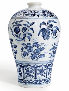 Keramik biru putih dinasti Ming