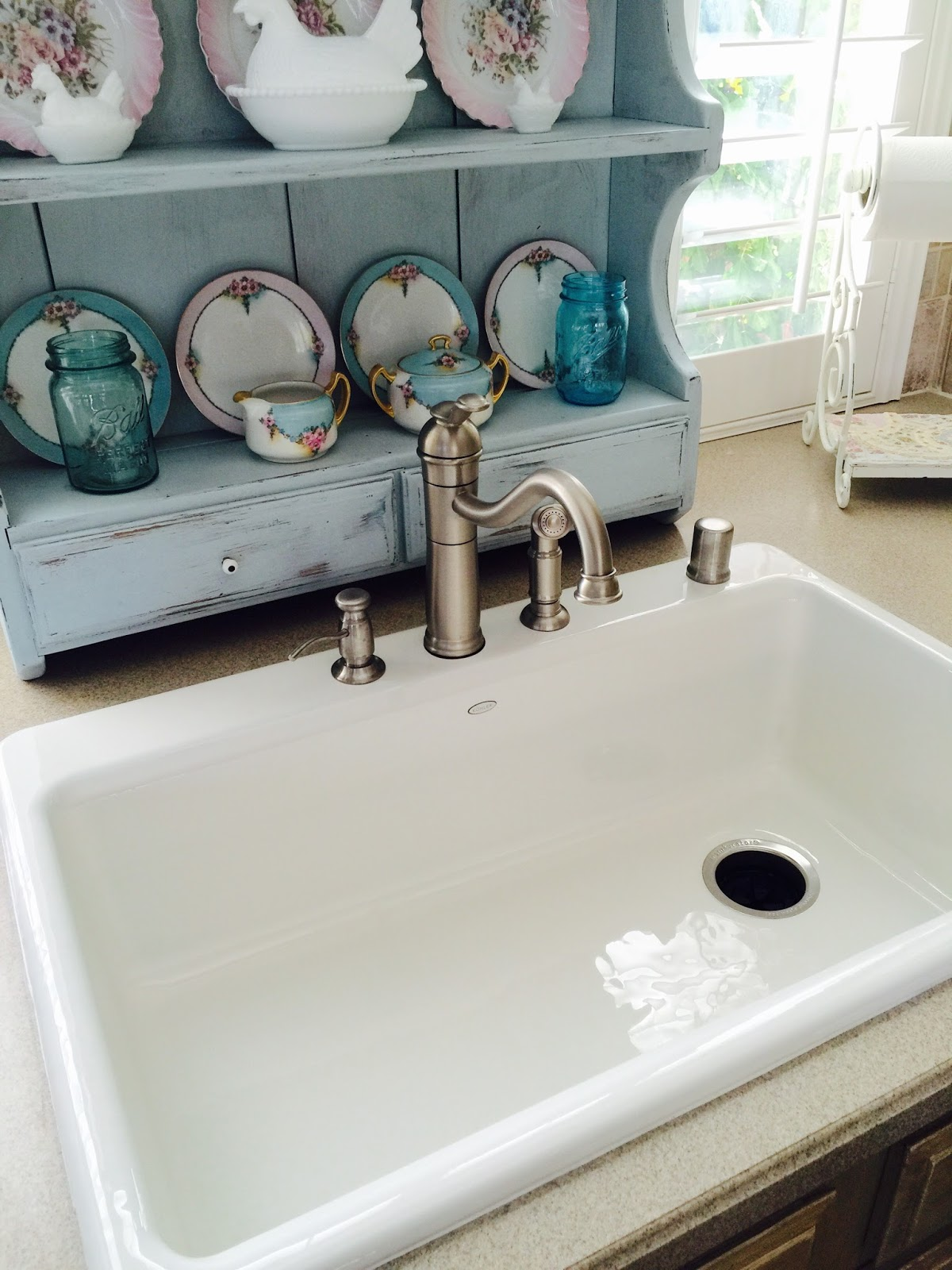 The Beehive Cottage New Farm Style Kitchen Sink