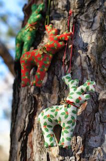 новогодний декор белочки лосики кони