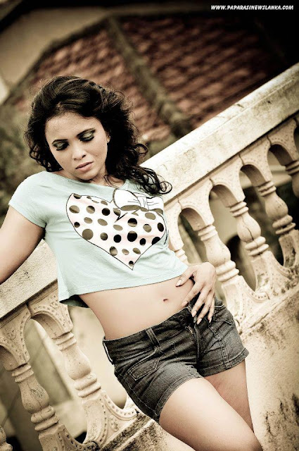 Srilankan Sexy Models Hot Photoshoot