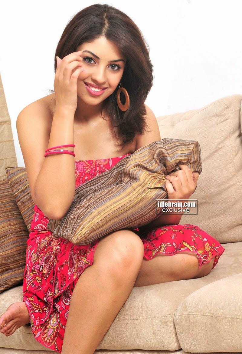 Richa Gangopadhyay super thighs