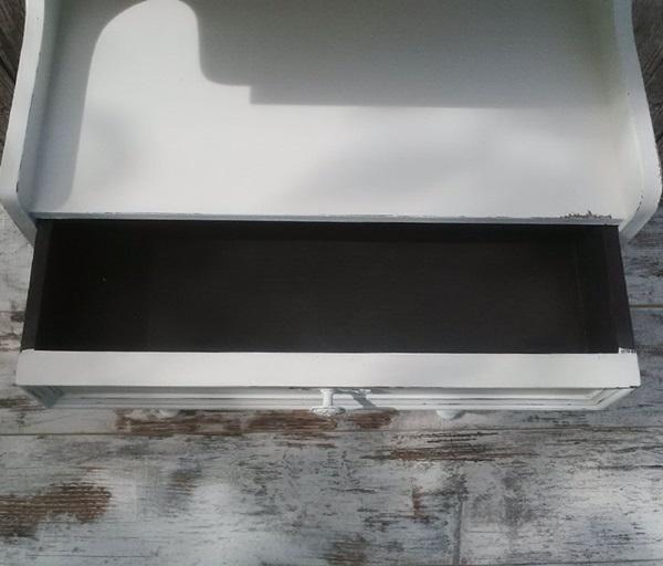 recupero creativo mobiletto shabby chic all white dettaglio del cassetto