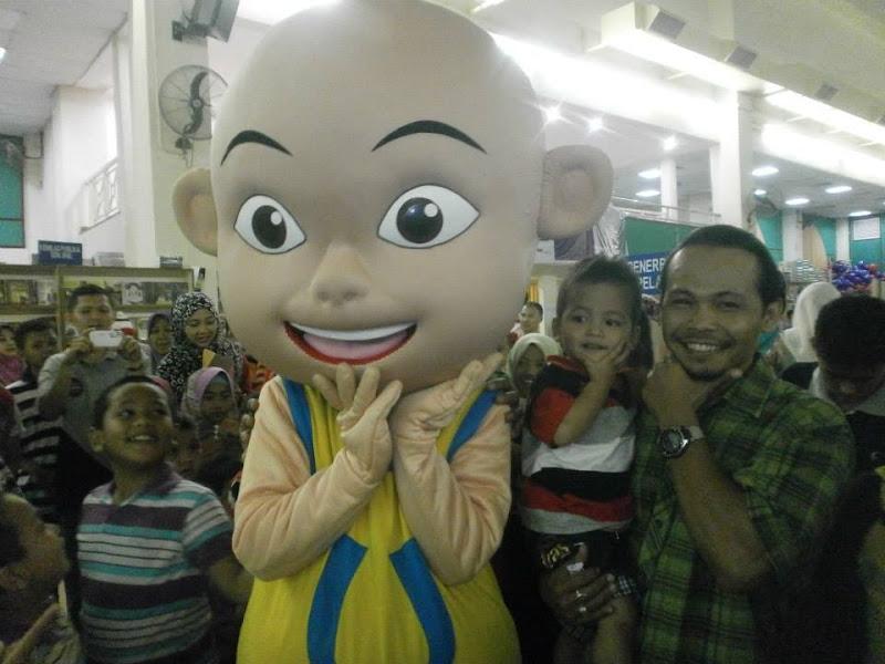 pesta buku 2013, pesta buku di kota bharu, pesta buku kelantan, pesta buku SMO, maskot upin ipin, upin dan ipin,