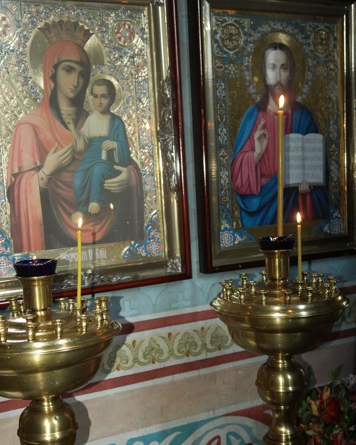 свечи в церкви Николая Чудотворца