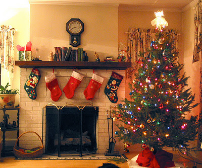 Modern Christmas Tree Decorating Ideas for 2012