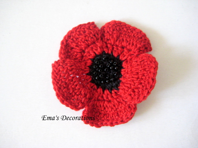 Knitting Pattern For Poppy Brooch : Ema Decorations: Crochet Poppy Brooch - a pattern