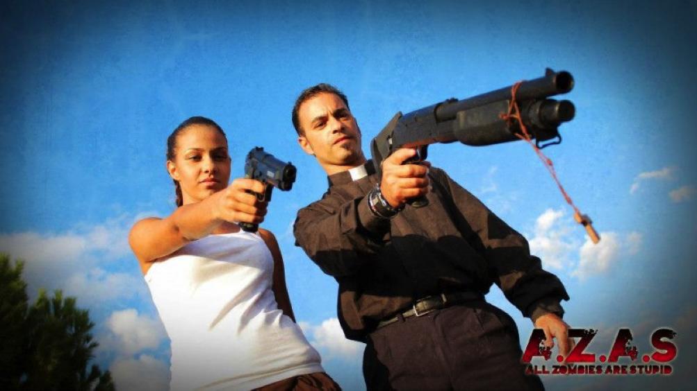 AZAS: Fotogramma del film che ritrae Don Gianni & Brittany