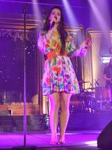 Lana Del Rey Barefoot
