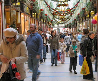 Millions will head out Last minute Christmas Shopping