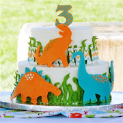 Dinosaurs birthday cake
