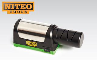 Elektryczna diamentowa ostrzałka do noży ceramicznych i stalowych Niteo Tools z Biedronki