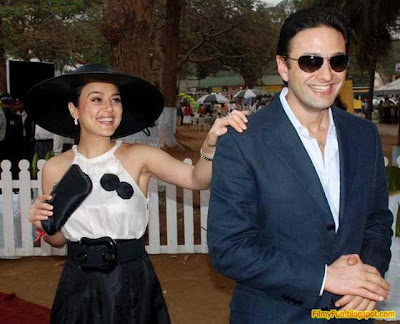 preity zinta and ness wadia_FilmyFun.blogspot.com