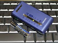 単4リチウム電池と共に