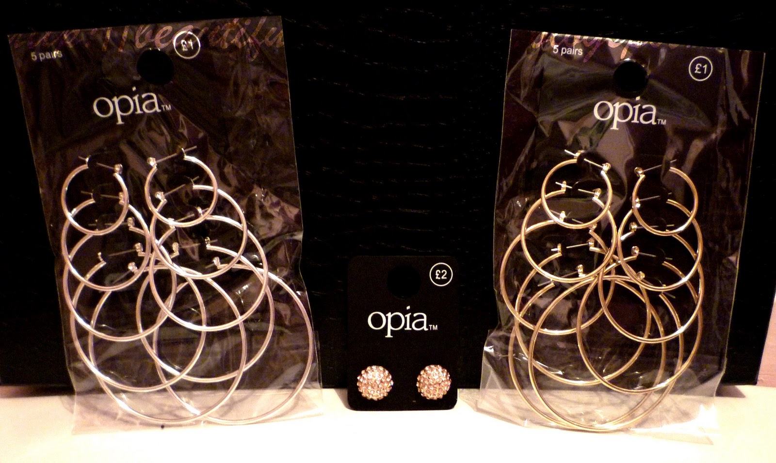 Left 5 Pairs Of Various Size Silver White Hoop Earrings 1 00 Middle Gold Yellow Diamante Studs 2 Right