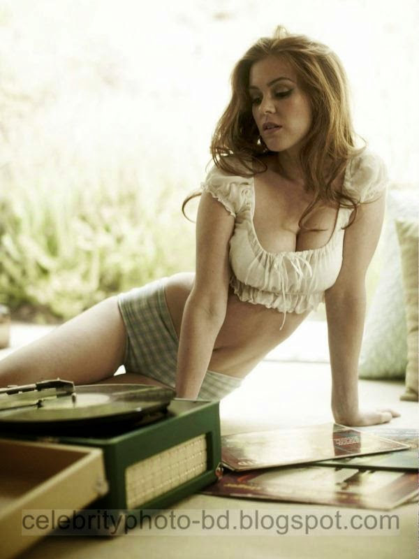 Isla+Fisher+Latest+Hot+Photos+With+Short+Biography002