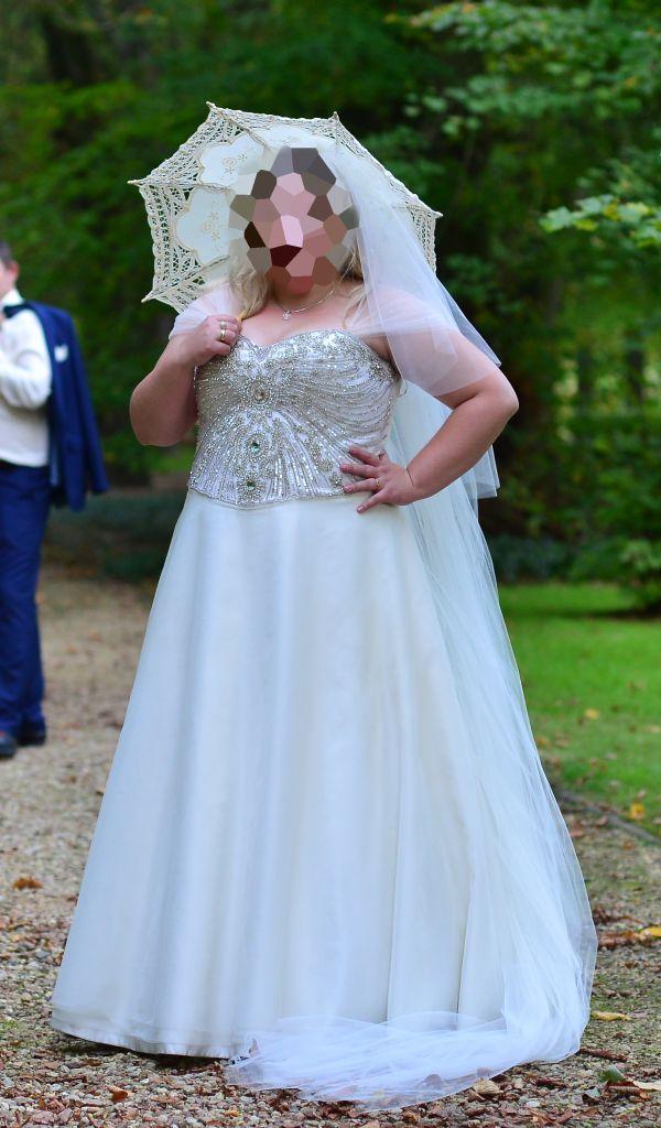 Suknie ślubne Vestido Princessa Z Salonu Jacqueline Z Zdobionym