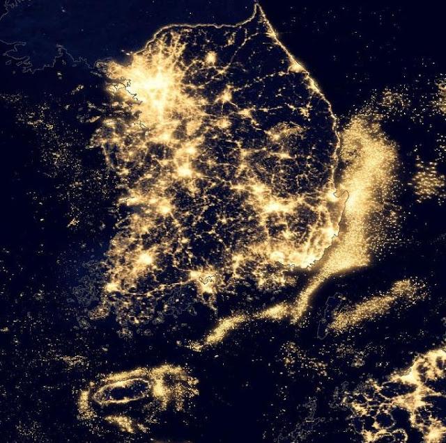 Vista nocturna de Corea tomada por un satélite