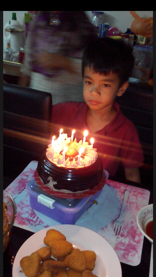 8 Tahun dah budak nie