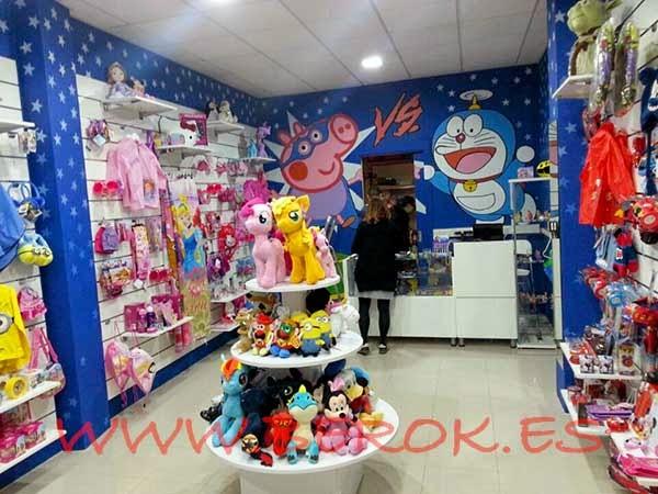 Decoración de murales infantiles en tienda de Vilanova i la Geltrú