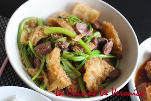 La Cuisine De Veronica 芹菜雞雜炒砂爆魚肚
