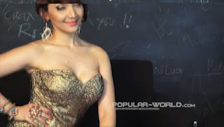 hot Video Model Popular Roro Fitria Januari 2013