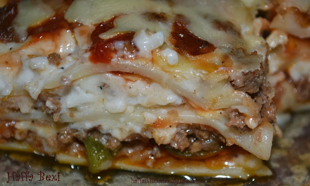 Baking, Cheddar Cheese, Chicken, classic lasagna, cold weather recipe, Lasagna, Lasagnea, Meat, Minced Meat, Mozzarella cheese, Snacks, white sauce,