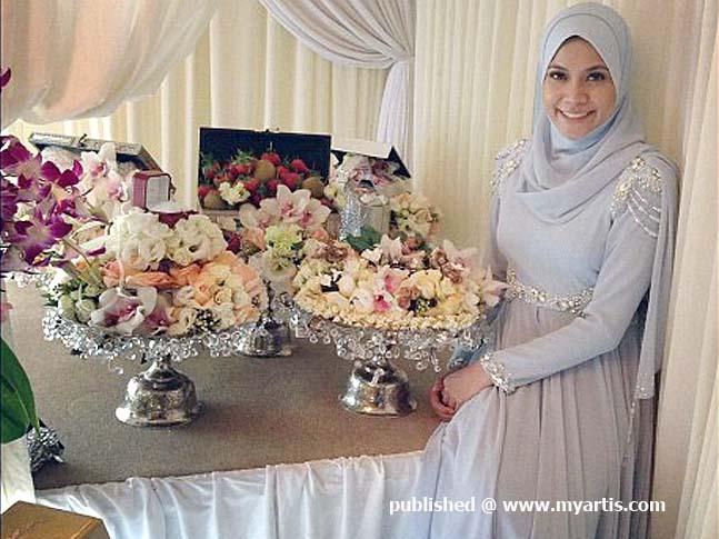 pertunangan anak gadis Rosyam Nor