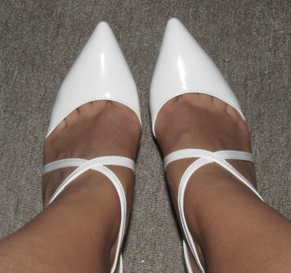 Pointed Toe Patent Leather White Sandals With Cross Strap Front