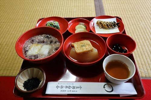 小豆粥で初春を祝う会