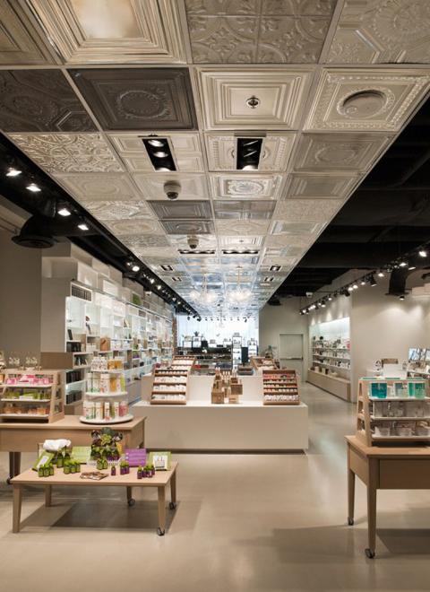 Uma loja de cosm ticos em las vegas design innova for K furniture mall karur